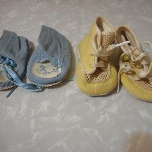 Lot of 2 Vintage Baby Shoes Yellow Blue